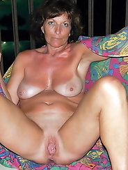 Mature and Grannys 0399