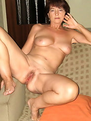 Glamour aged G-I-L-F is posing nude for fun