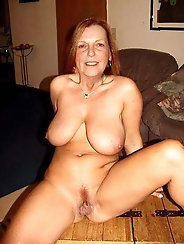 Mature babe is masturbating