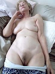 Selfie nackt granny