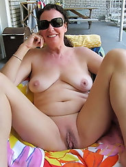 Lustful old girls are spreading their pussy lips for cash