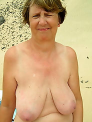 Lusty mature tarts are showing their hot curves on picture