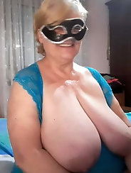 Lovely mature mom is showing her sexy lines